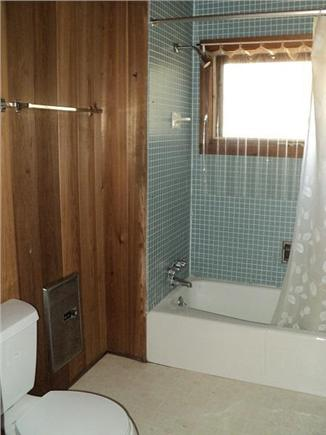 Wellfleet Cape Cod vacation rental - Bathroom.