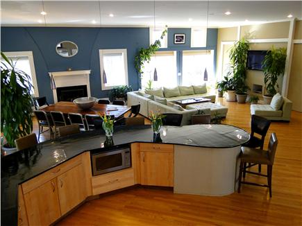 Click here to see a video of this Bourne vacation rental.