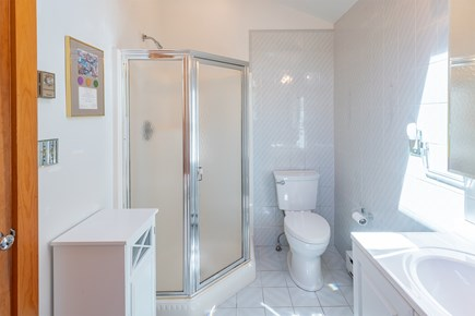 Chatham Cape Cod vacation rental - Upstairs bathroom with jacuzzi tub.