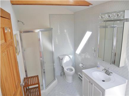 Chatham Cape Cod vacation rental - Second floor full bath with jacuzzi tub.