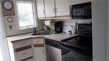 Bay side of Dennis Cape Cod vacation rental - Kitchen (stove top oven, dishwasher, microwave, toaster)
