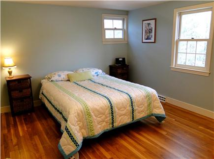 Yarmouth Port Cape Cod vacation rental - Upstairs queen bedroom