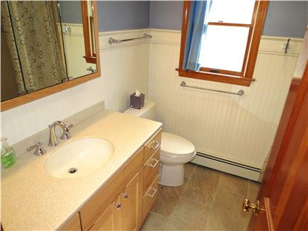 Brewster Cape Cod vacation rental - This home has 2.5 baths.  Half bath in on the main level.