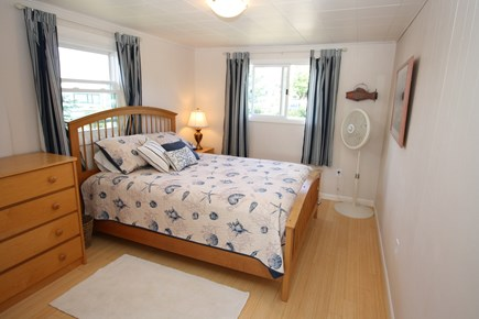 Bourne, Monument Beach Cape Cod vacation rental - Queen bed in main cottage.