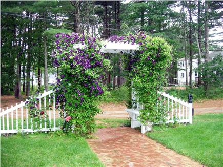 Cotuit Cotuit vacation rental - Arbor front entrance