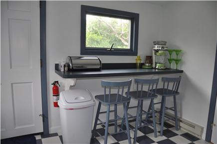 Plymouth  MA vacation rental - A nice breakfast bar for a quick snack before your morning walk!