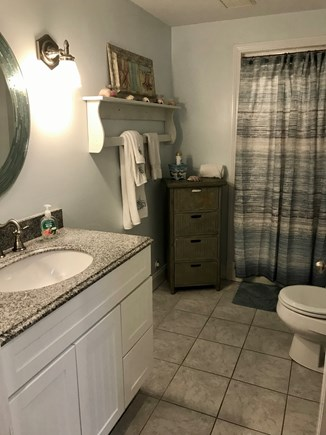 West Yarmouth Cape Cod vacation rental - Main bathroom