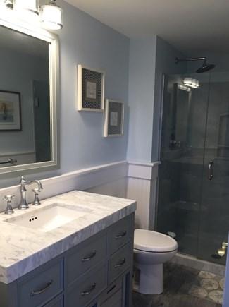 Hyannis Cape Cod vacation rental - Second Floor en-suite bathroom