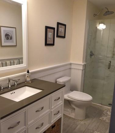 Hyannis Cape Cod vacation rental - Third Floor en-suite bathroom