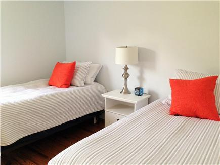 Downtown Falmouth Cape Cod vacation rental - Twin bedroom