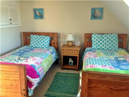 Craigville Beach, Centerville Centerville vacation rental - 2nd Bedroom with two twin beds. Nice and breezy!