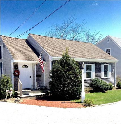 West Yarmouth Cape Cod vacation rental - Adorable bright and vaulted Cape cottage, walk to beach