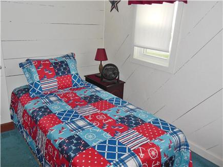 Plymouth MA vacation rental - Bedroom w/single bed