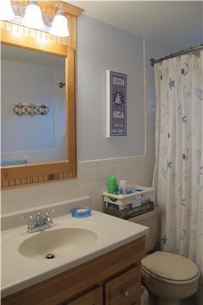 Mashpee Cape Cod vacation rental - Hall Bathroom
