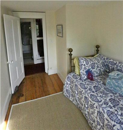 Woods Hole, Falmouth Woods Hole vacation rental - Trundle bed pops up to a queen - over looks the water