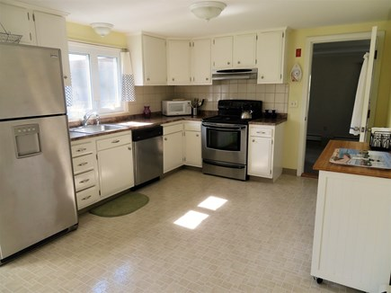 Hyannis, Craigville Cape Cod vacation rental - Well stocked kitchen equipped with all modern appliances.