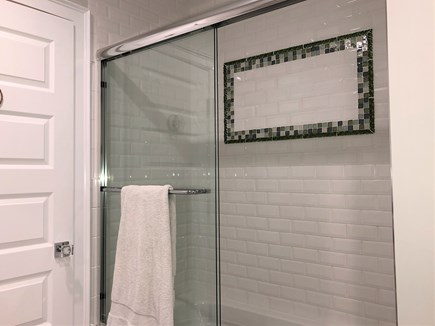 Harwich Port Cape Cod vacation rental - Guesthouse bath