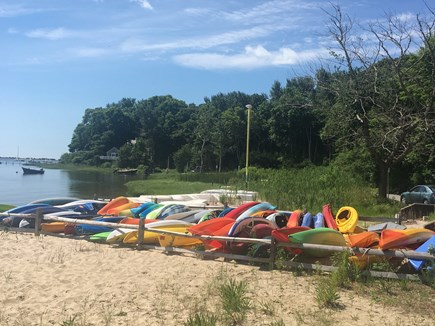 Cotuit Cotuit vacation rental - Kayakers and stand-up paddleboarders put in at Rope's beach.