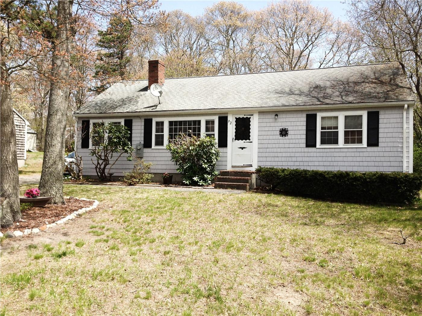 Hyannis vacation rental home in cape cod ma 02601 id 24369 for Cape cod cabin