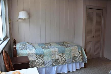Truro Cape Cod vacation rental - Twin bedroom with two twin beds and bureaus to match!