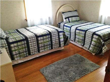 West Dennis Cape Cod vacation rental - Bedroom with 2 twin beds