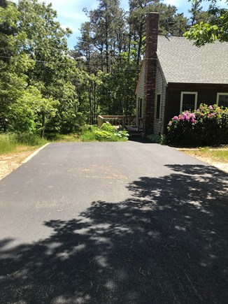 Wellfleet Cape Cod vacation rental - Newly paved driveway