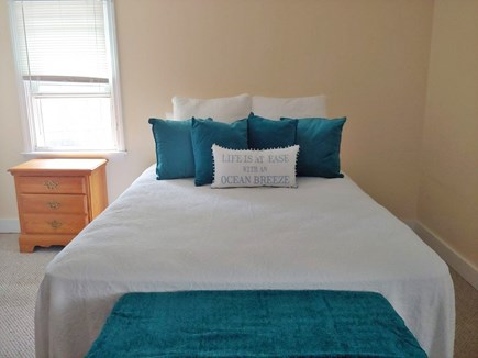 Marshfield, Brant Rock MA vacation rental - Master bedroom w new berber rug,  furniture and ceiling fan.