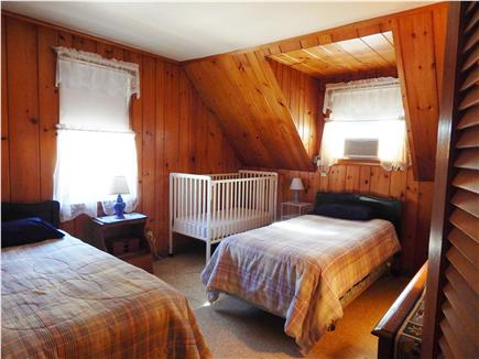 Bourne, Monument Beach Cape Cod vacation rental - Twins beds and crib in Bedroom #3