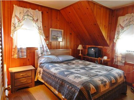 Bourne, Monument Beach Cape Cod vacation rental - Queen bed in Bedroom #1