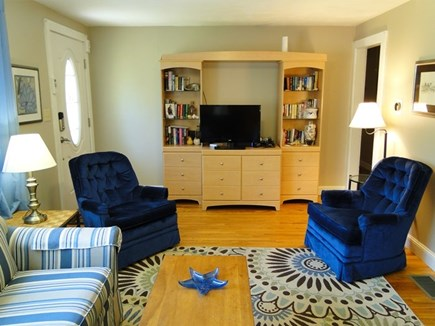 Falmouth, Teaticket Cape Cod vacation rental - Living room with flat screen TV