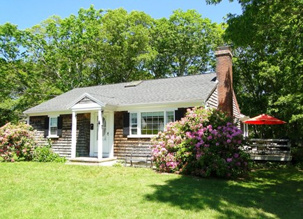 Falmouth, Teaticket Cape Cod vacation rental - Welcome and please come in.