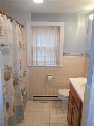Yarmouth Port Cape Cod vacation rental - Guest bathroom