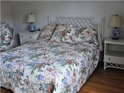 eastham Cape Cod vacation rental - Queen room for family or friends.