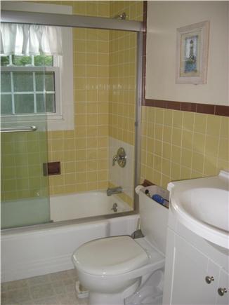 Dennis Cape Cod vacation rental - Bath