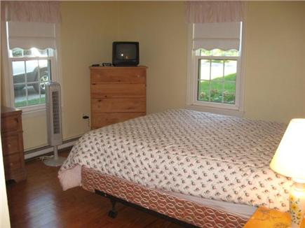 Dennis Cape Cod vacation rental - Full and twin bed