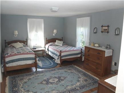 Chatham Cape Cod vacation rental - Two twin beds in the first floor bedroom