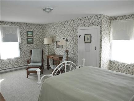 Chatham Cape Cod vacation rental - Upstairs bedroom has a queen sized bed.