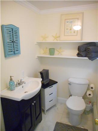 Centerville, Barnstable Centerville vacation rental - Master Bath.