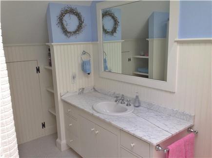 Brewster Cape Cod vacation rental - Upstairs full bathroom