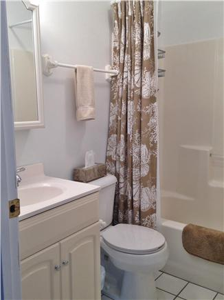 Harwich Port Cape Cod vacation rental - First floor bath with tub/shower combo
