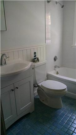 Dennis Port Cape Cod vacation rental - Bathroom Remodel 2016 w/new Beadboard & Ceramic Tile Tub Surround