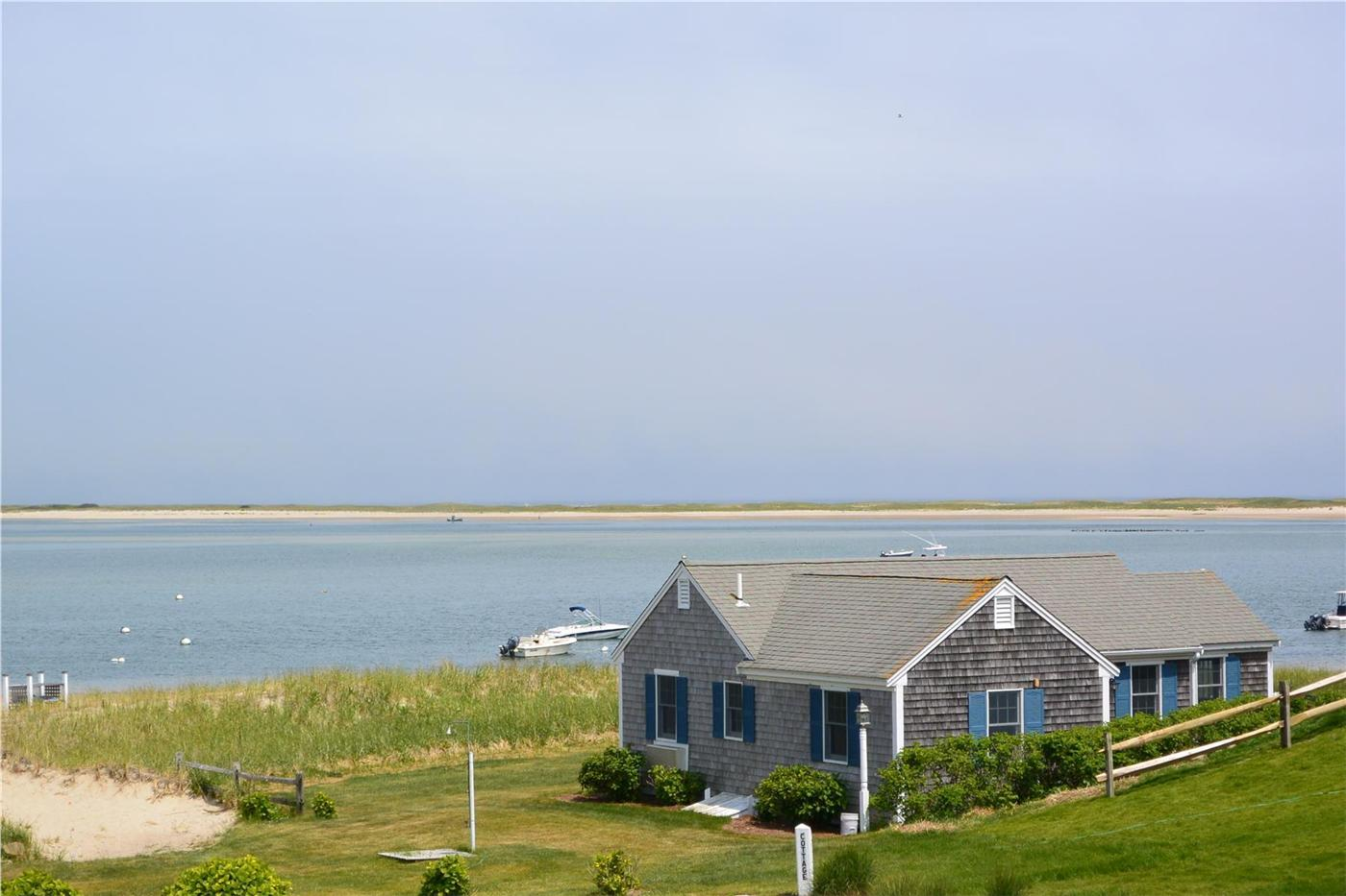 Chatham vacation rental home in cape cod ma 02633 50 feet for Cabin rentals in cape cod ma