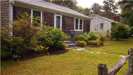 Mashpee, Popponesset Cape Cod vacation rental - Charming Cottage Minutes from the Beach