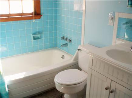 Mashpee, Popponesset Cape Cod vacation rental - Full Bath and Outdoor Shower