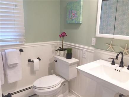 Chatham Cape Cod vacation rental - Full Bath with Fresh New Tub/Shower