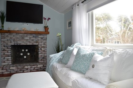 Chatham Cape Cod vacation rental - Family Room with vaulted ceiling exceeding 11 feet