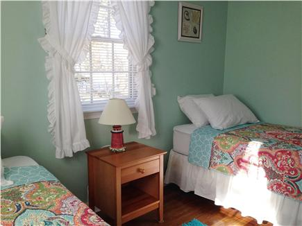 Dennis Port Cape Cod vacation rental - New pillows and spread
