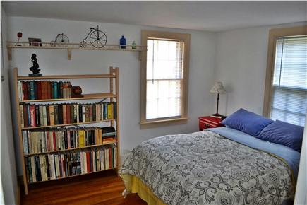 Chatham Cape Cod vacation rental - Downstairs Bedroom, 1 Full Bed & Private 1/2 bathroom
