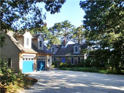 Wellfleet Cape Cod vacation rental - View of garage and house