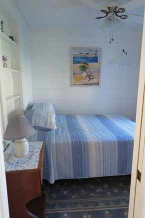 Falmouth, Maravista Cape Cod vacation rental - Small bedroom